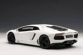 lamborghini aventador lp700 4 white amazon com autoart 1 18 lamborghini aventador lp700 4 white