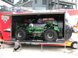 original grave digger monster truck grave digger 21 monster trucks wiki fandom powered by wikia