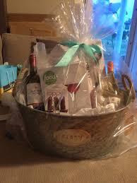 Bridal Shower Wine Basket The 25 Best Bridal Shower Baskets Ideas On Pinterest Fun Bridal