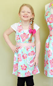 matching mom and child free apron pattern fynes designs fynes