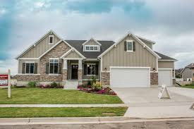 adorable craftsman style exterior built by symphony homes
