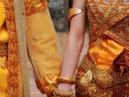 mariage cambodgien omgwtfjuliee traditional cambodian wedding par mariage etc