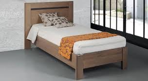chambre à coucher en chêne massif chambre à coucher tendance chêne massif chambre complète meubles
