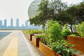 The United Nations Dining Room And Rooftop Patio Un Headquarters Creates Rooftop Garden Diy Network Blog Made