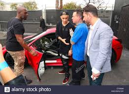 justin bieber new car 2014 justin bieber meets fans at west coast customs empire takeover