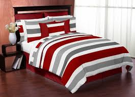 White And Red Comforter Best 25 Red Comforter Ideas On Pinterest Red Bedding Red