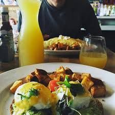 essential bottomless brunches in chicago urbanmatter