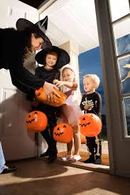 tips to stay safe this halloween while trick or treating