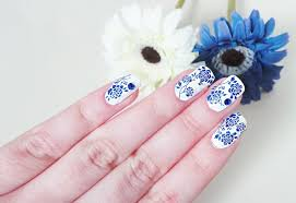 lauras all made up uk beauty fashion lifestyle blog nails