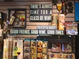 memento gift shop
