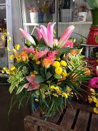 much more flowers arrangement