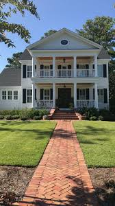 Southern Plantation Decorating Style by Best 25 Plantation Style Homes Ideas On Pinterest Plantation