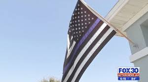 Flying The Us Flag Upside Down Florida Woman Forced To Take Down Blue Lives Matter Flag After Hoa