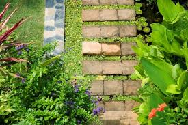 5 small yard landscaping ideas diy landscaping tips
