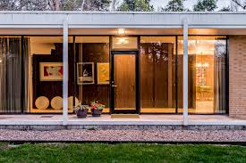 glass box architecture midcentury home architect u0027s own glass box gem asks 825k curbed