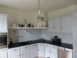 renover une cuisine rustique en moderne repeindre cuisine en chene relooker ma cuisine rustique repeindre