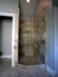 shower bathroom designs en hel dusch av glasmosaik 5x5 ger en väldigt ljus och ren känsla