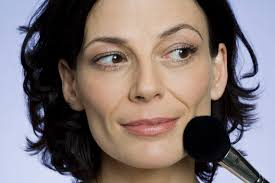 hairstyles for women with sagging jowls 11 makeup tricks that will take years off your face