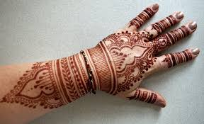 wonderful henna flowers tattoo on right hand