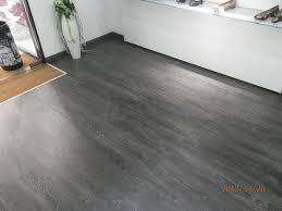 pavimenti laminati pvc laminato grigio ac 4 laminato pvc wpc legno ceramiche