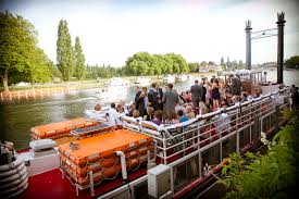 thames river boat hen party river thames boat party passenger boat hire in windsor maidenhead