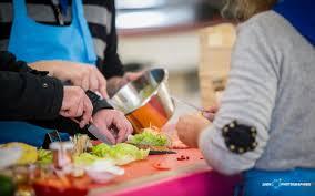 cours de cuisine biarritz cours de tapas et pintxos à biarritz by cote basque à
