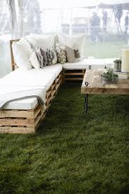 Pallet Patio Furniture Ideas by 5 Diy Wood Pallet Ideas For Your Wedding