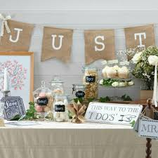 guirlande fanion mariage decoration salle mariage guirlande de fanions rétro just married