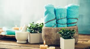 Towel Decoration For Bathroom by 5 Ways To Arrange Towels To Turn Your Guest Bathroom Into A Spa