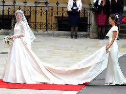 wedding dress kate middleton kate middleton actually had a second wedding dress and it s beautiful