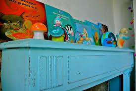 vaisselier mural ancien décorer une chambre d u0027enfant recyclage et cie
