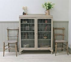 Curio Cabinet Bombay Company Bombay Company Glass Display End Table Features Queen Ann Style
