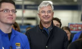 will amazon price match best buy black friday meet the man best buy hired to take on amazon stock news u0026 stock