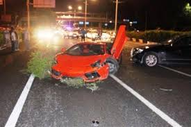 justin bieber car lamborghini justin bieber is in critical condition after he crashes his
