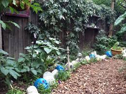 Garden Edging Idea Flower Garden Borders Edging And Bark Gardening Ideas Pinterest