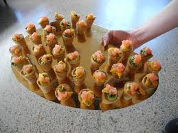 canape de canape guacamole with pickled shrimp ร ปถ ายของ plume