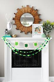 cute and easy felt and canvas shamrock pennant banner pink
