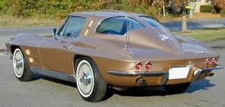 how many 63 split window corvettes were made 1963 corvette stingray fastback coolest car made bond
