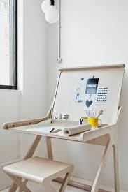 Chair Desk For Kids by Best 25 Modern Kids Desks Ideas On Pinterest Childrens Desk