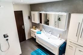 Bodengestaltung Schlafzimmer Badrenovierung Von Ibod Wand U0026 Boden Homify