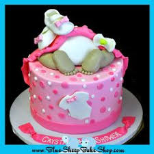 baby shower cakes baby rump cake and cupcakes baby shower