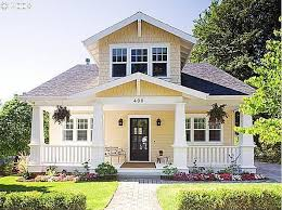 small bungalow homes best 25 bungalow homes ideas on craftsman cottage