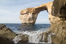 tourists are angry that malta u0027s azure window doesn u0027t exist anymore
