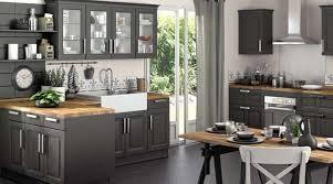 cuisine plan de travail en bois cuisine bistrot grise plan de travail bois brut salle à manger