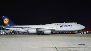 lufthansa 747 8 at ord such an amazing aircraft aviation