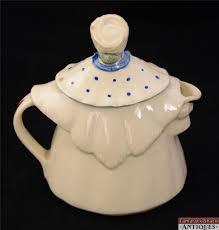 shawnee granny ann art pottery tea pot w lid pink blue apron