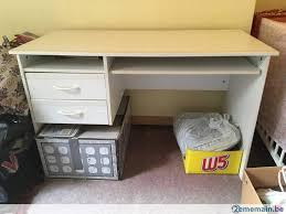 bureaux blancs deux bureaux blancs 120cmx60cmx73cm en bon état bruxelles a vendre
