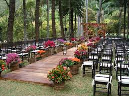 Fall Backyard Wedding by Best 25 Wedding Walkway Ideas On Pinterest Backyard Wedding