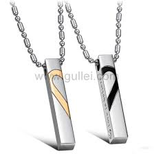 custom engraved pendant custom engravable half hearts couples necklaces set of two