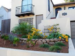 cool front home garden layout design
